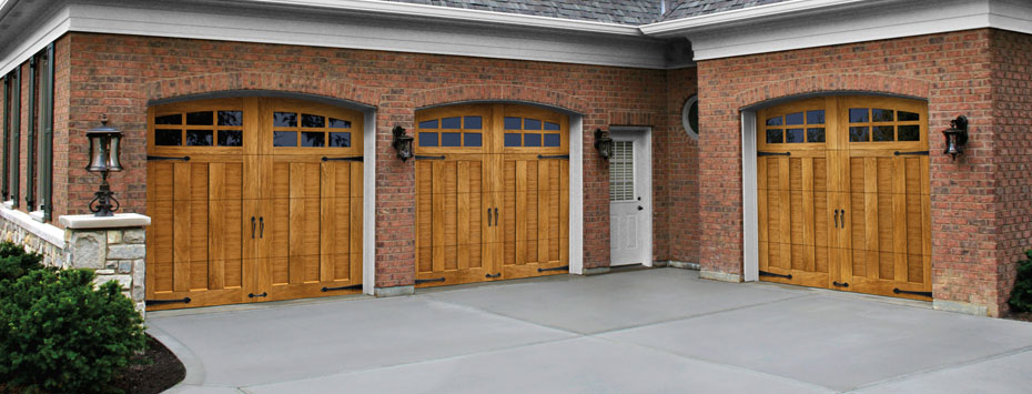 Glenmoor collection ultra grain series holmes garage for Wood grain garage doors